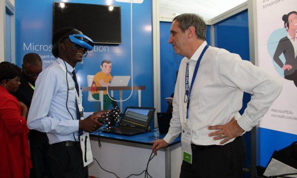 21-Microsoft headset